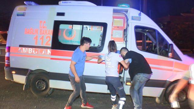 Ambulansa yol vermeyince gündem olan sürücü makas atarken kazaya neden oldu