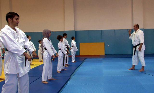 Ressam karate hocası