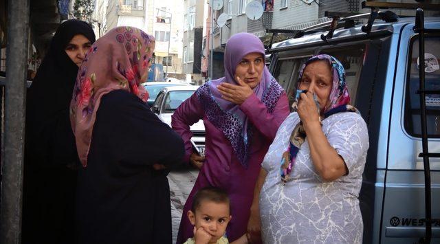 Sultangazi'de psikolojik sorunları olduğu iddia edilen kadın ortalığı birbirine kattı