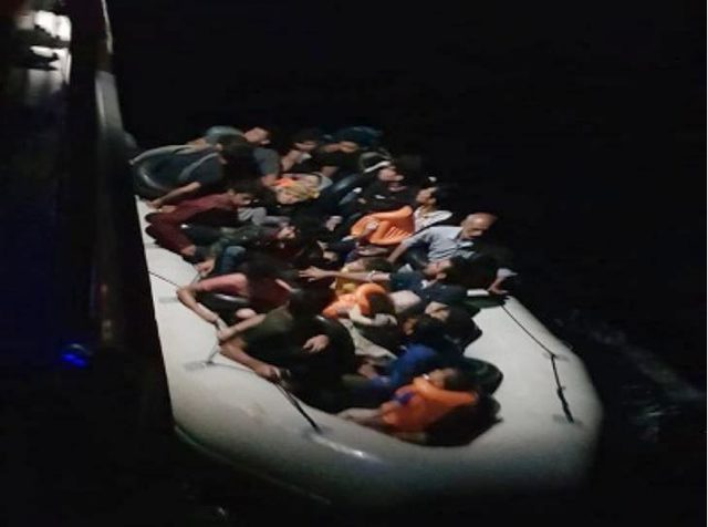 Didim ve Kuşadası'nda 101 kaçak göçmen yakalandı
