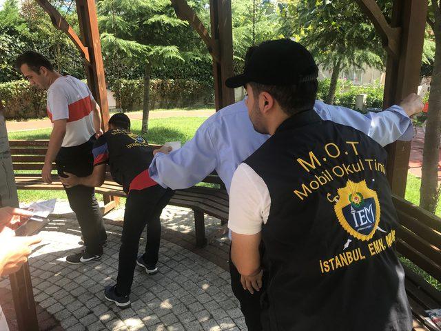 İstanbul'da okul çevrelerinde polis denetimlere başladı