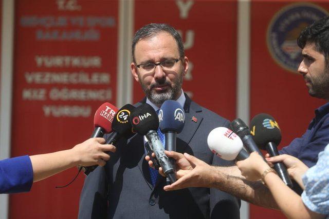 Fotoğraflar // Bakan Kasapoğlu, yurt başvuruları sonuçlarının açıklandığını söyledi