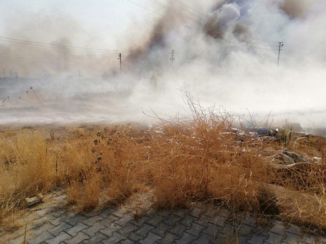 Kullanılmayan çadır kentte yangın çıktı