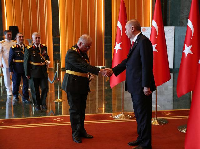 Cumhurbaşkanı Erdoğan: Cumhuriyeti canımız pahasına korumakta kararlıyız (2)