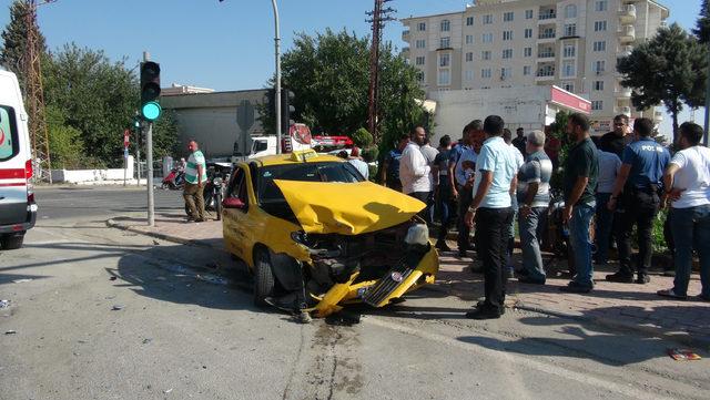 Kilis'te trafik kazası: 5 yaralı