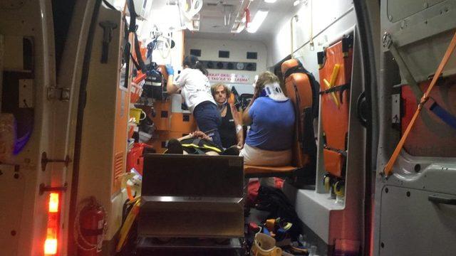 Antalya'da tur otobüsü devrildi: 1 ölü, 29 yaralı (2)- Yeniden
