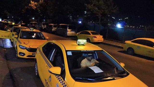 Taksimetre yoğunluğu gece de devam etti