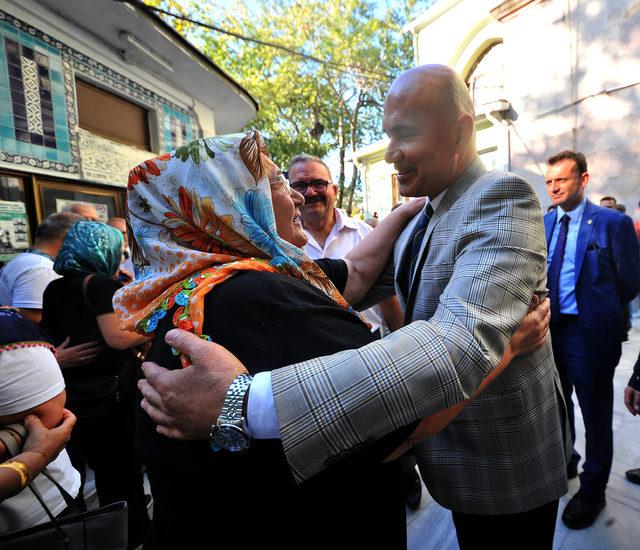 Turhan Çömez, 12 yıl sonra baba ocağında