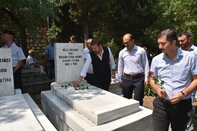 Makbule Efe ve Akıncı mezarı başında anıldı