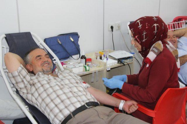 Şuhut'ta kan bağışına yoğun ilgi