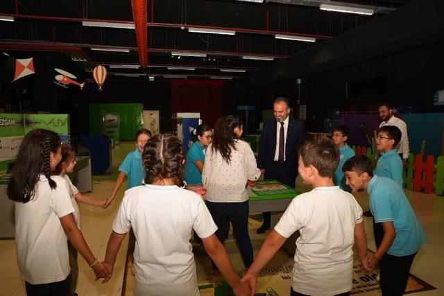 Eğitime, Başkan Aktaş'la BTM'de 'merhaba'