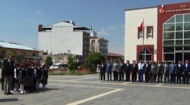 Erciş'te 55 bin öğrenci ders başı yaptı