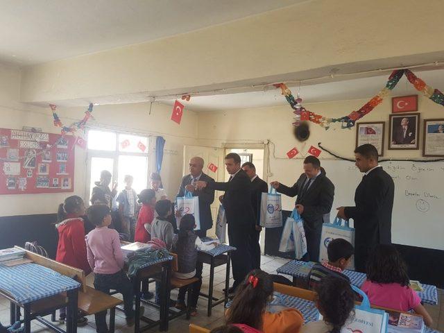 Çaldıran'da 19 bin 500 öğrenci ders başı yaptı