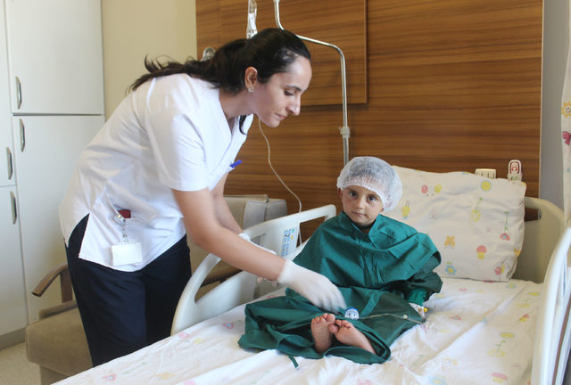 Doç. Dr. Çelik: Van'da yıllık dünyaya gelen 50 bebekte kalp hastalığına rastlanıyor