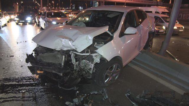 Kontrolden çıkan otomobil başka bir otomobile çarptı: 5 yaralı