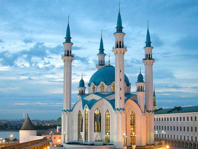 Mimarisiyle ve Hikayeleriyle Kalplere Taht Kurmuş Dünyanın En İlginç 12 Camiisi