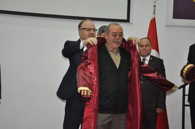 Afyonkarahisar'da 'yılın ahisi'ne kaftanı giydirildi