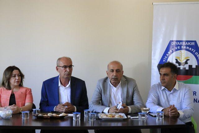 DTSO yönetimi, Metal İşleri Sanayi Sitesi esnafı ile bir araya geldi