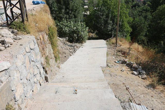 Bitlis'te merdivenler yenileniyor
