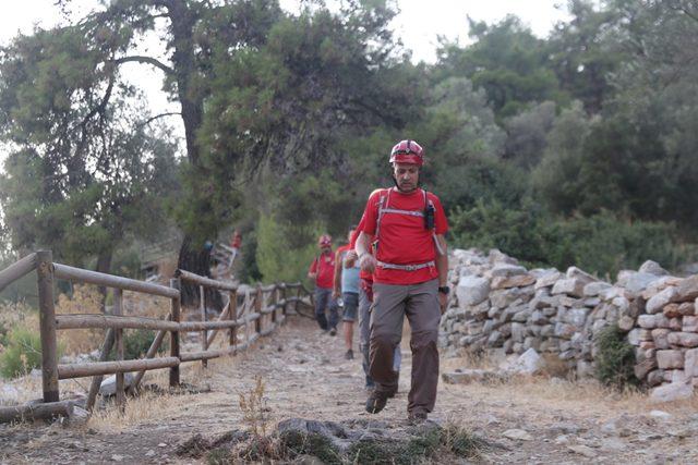 Bodrum'da, ormanda kaybolan İngiliz turist otelde bulundu (2)