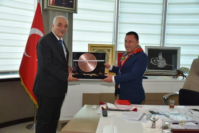 Türkiye-Türk Dünyası Yörük Türkmen Birliği'nden Başkan Beyoğlu'na ziyaret
