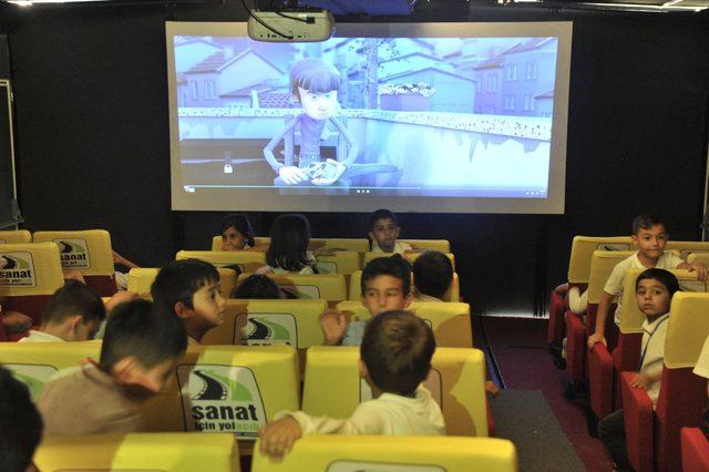 Çocukları sinema ile buluşturacak 'Gezen Sinema TIR', Ankara'dan yola çıktı