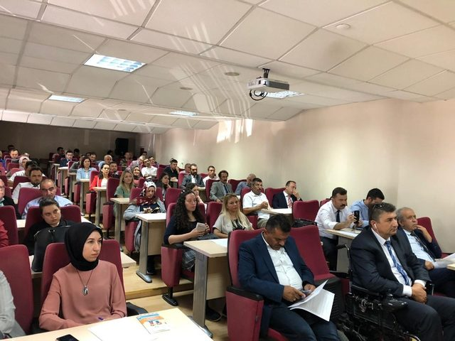 Kütahya'da okul idarecilerine 'Ağız ve diş sağlığı' eğitimi