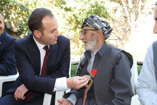 Kaymakam Güven'den 105 yaşındaki gaziye ziyaret