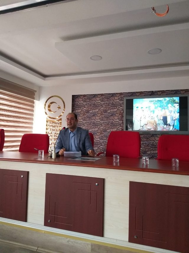 Bozüyük'te 'Ahilik ve meslek ahlakı' konulu konferans
