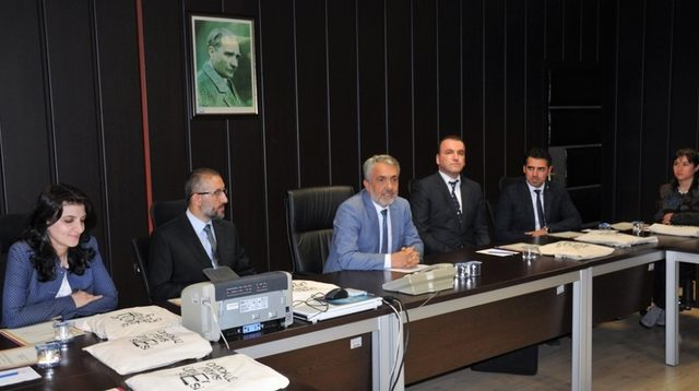 Rektör Bilgiç akademik aşama kaydeden akademisyenleri tebrik etti