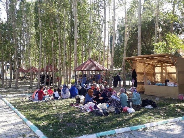 Bitlis Belediyesinden kadınlar için gezi etkinliği