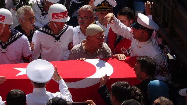 Şehit Astsubay, Gölcük'te gözyaşlarıyla toprağa verildi
