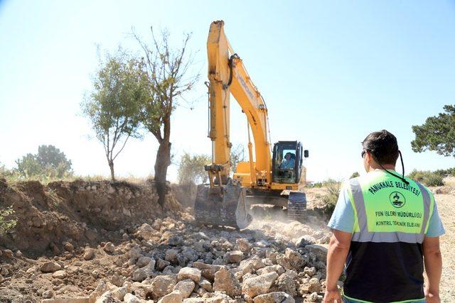 Pamukkale Belediyesi yılarlın yol sorununu çözdü