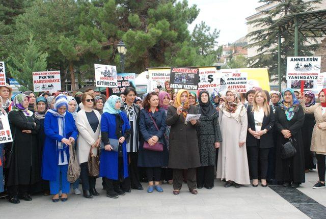 Kadınlar, Diyarbakır anneleri için bir araya geldi