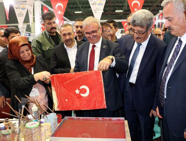 10. Van Doğu Anadolu Turizm ve Seyahat Fuarı kapılarını açtı