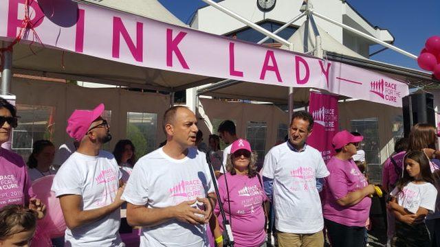 Kosova'da ilk defa meme kanser için farkındalık yürüyüşü düzenlendi