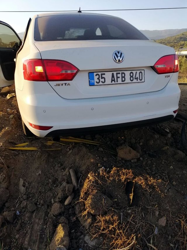 İzmir'de otomobiller çarpıştı: 1 ölü