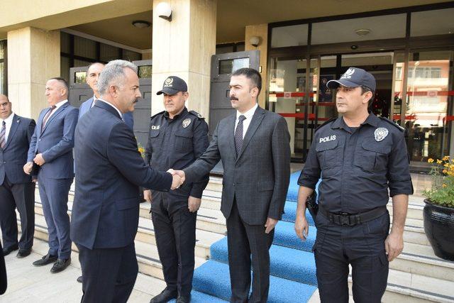 Burdur yeni Emniyet Müdürü Ümit Bitirik görevine başladı.