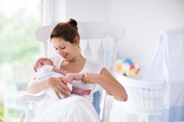 Emzirmek bebeğin özgüvenini arttırıyor