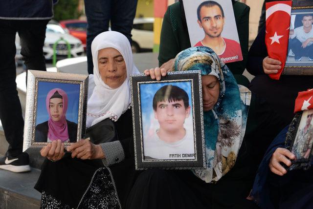 PKK'nın kaçırdığı kızını, alyansını satarak okutuyordu
