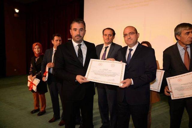 'Beyaz Bayrak ve Beslenme Dostu Okul' sertifikaları dağıtıldı