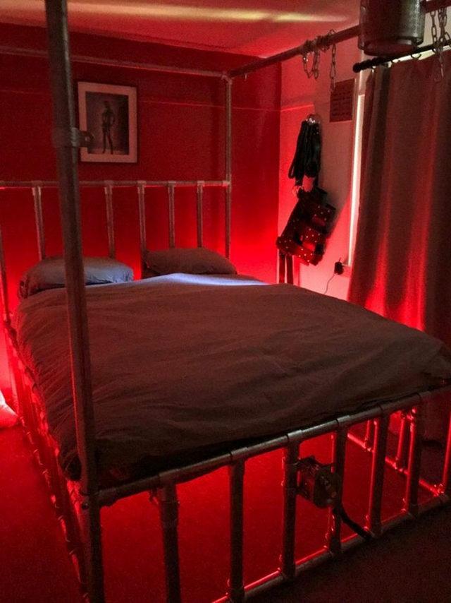 beds-bedrooms-with-threatening-auras-19-5d9c96c13d8c0__700