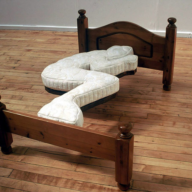 beds-bedrooms-with-threatening-auras-22-5d9c97332fa33__700