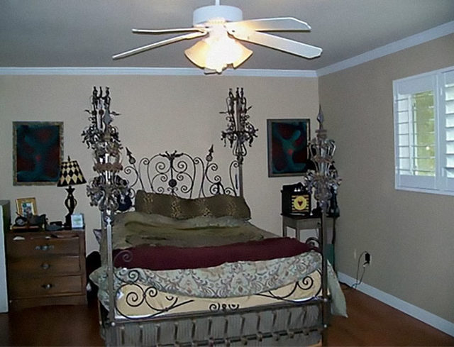 beds-bedrooms-with-threatening-auras-44-5d9d8779abbfe__700