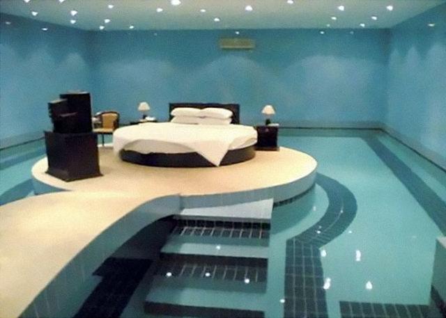 beds-bedrooms-with-threatening-auras-50-5d9da22aa9a67__700