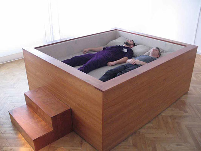 beds-bedrooms-with-threatening-auras-53-5d9dab0a408c2__700