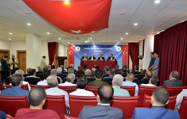 Vali Güzeloğlu, Çermikte esnaf ver vatandaşlarla buluştu