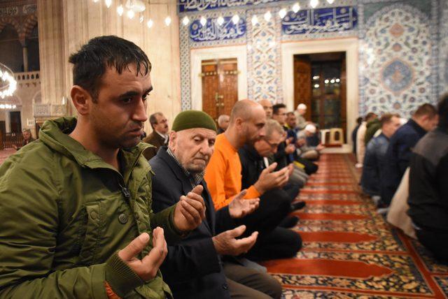Selimiye Camii'nde sabah namazında 'Fetih Suresi' okundu