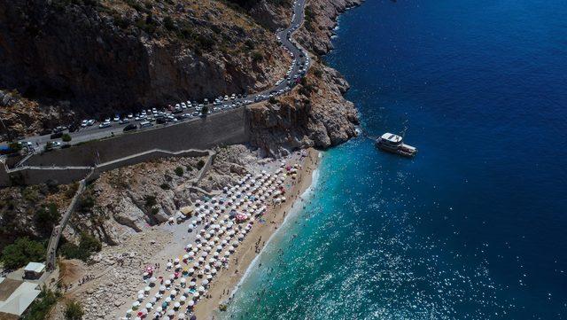 Kaputaş Plajı'ndan geçecek yola mahkemeden iptal