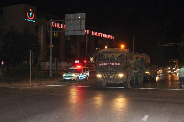 Kilis'ten Suriye'ye zırhlı muharebe aracı sevkiyatı